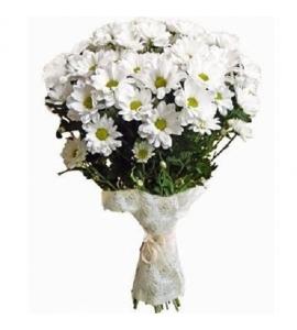 Букет из белых хризантем...