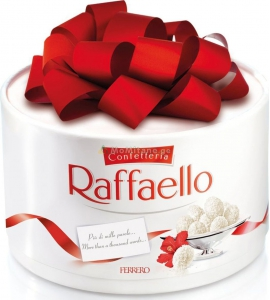 200 გრ. რაფაელო , თეთრი შოკოლადით , ქოქოსით და ნუშით, ტკბილეული , ბამბანერკა, ბომბონერი, სასაჩუქრე ყუთით.